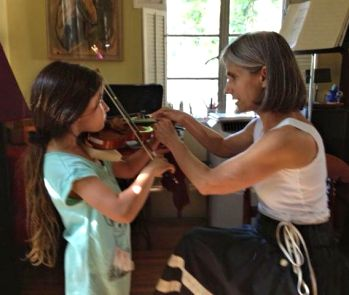 Beverly Hills violin student Margo enjoys her violin lesson with Constance!